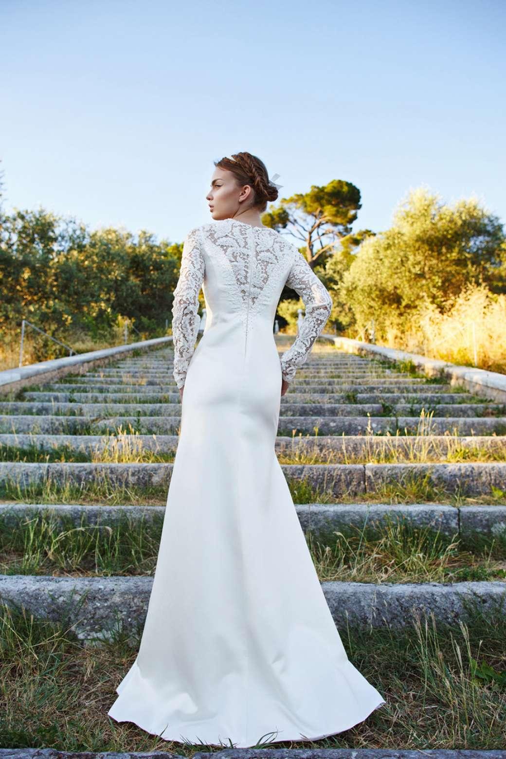 Платье прямое с рукавами фото 2