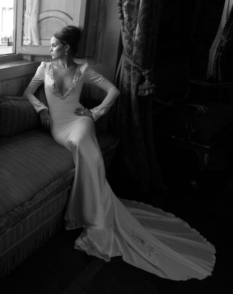 Инбаль Дрор, ведущий дизайнер Свадебные платья и вечерние платья в Израиле является выпускником The Shenkar