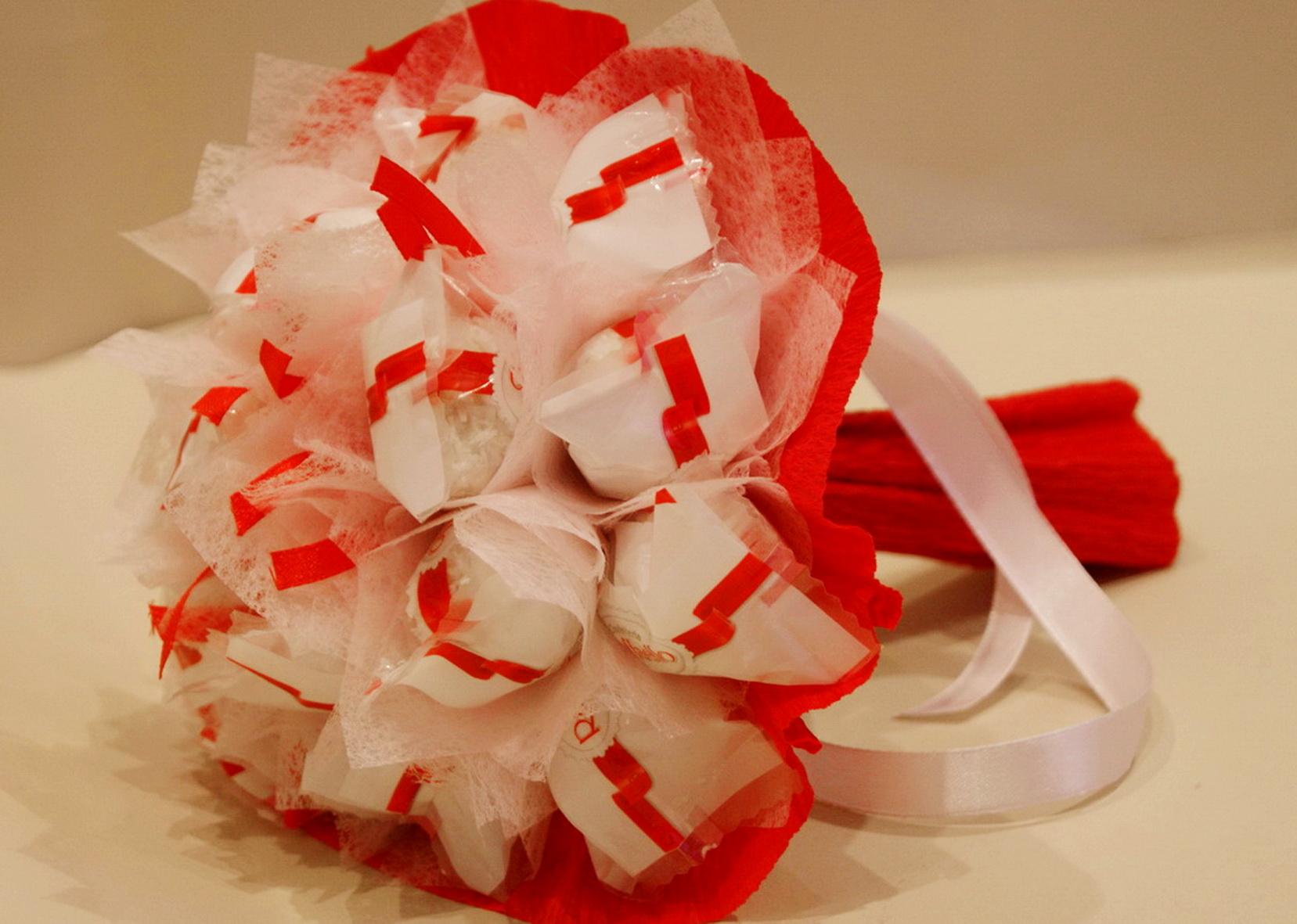 Букет из конфет Раффаэлло. Мастер-класс с пошаговыми фото 55