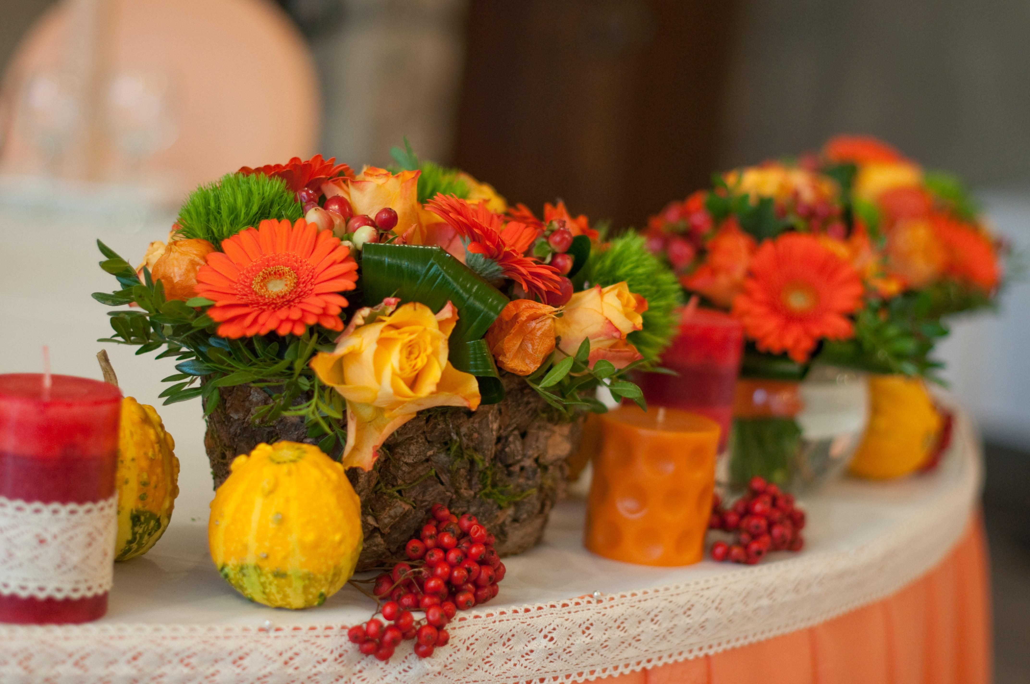 Картинки украшение стола хризантемы осень