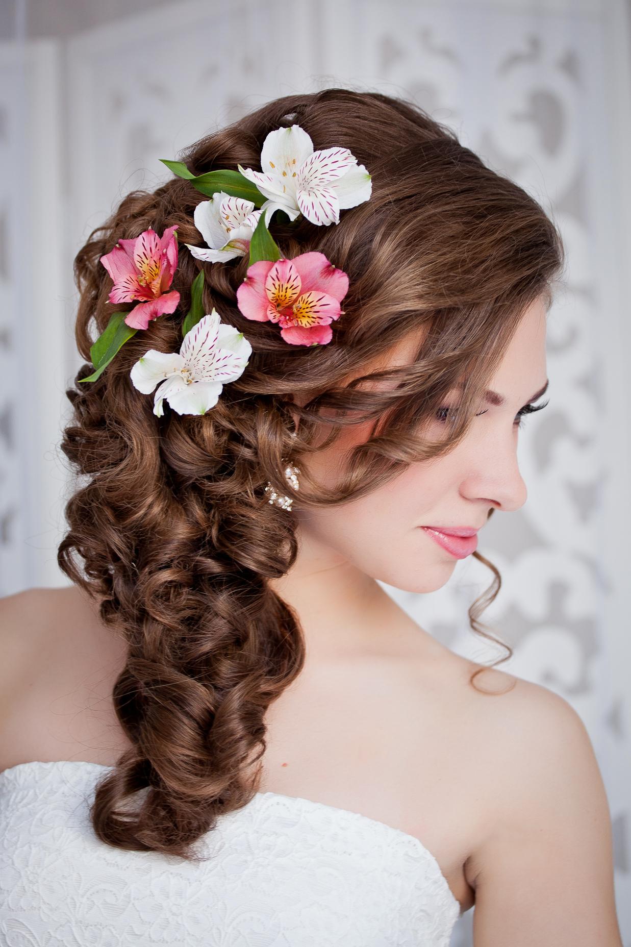 Причёска на свадьбу гостье на длинные волосы