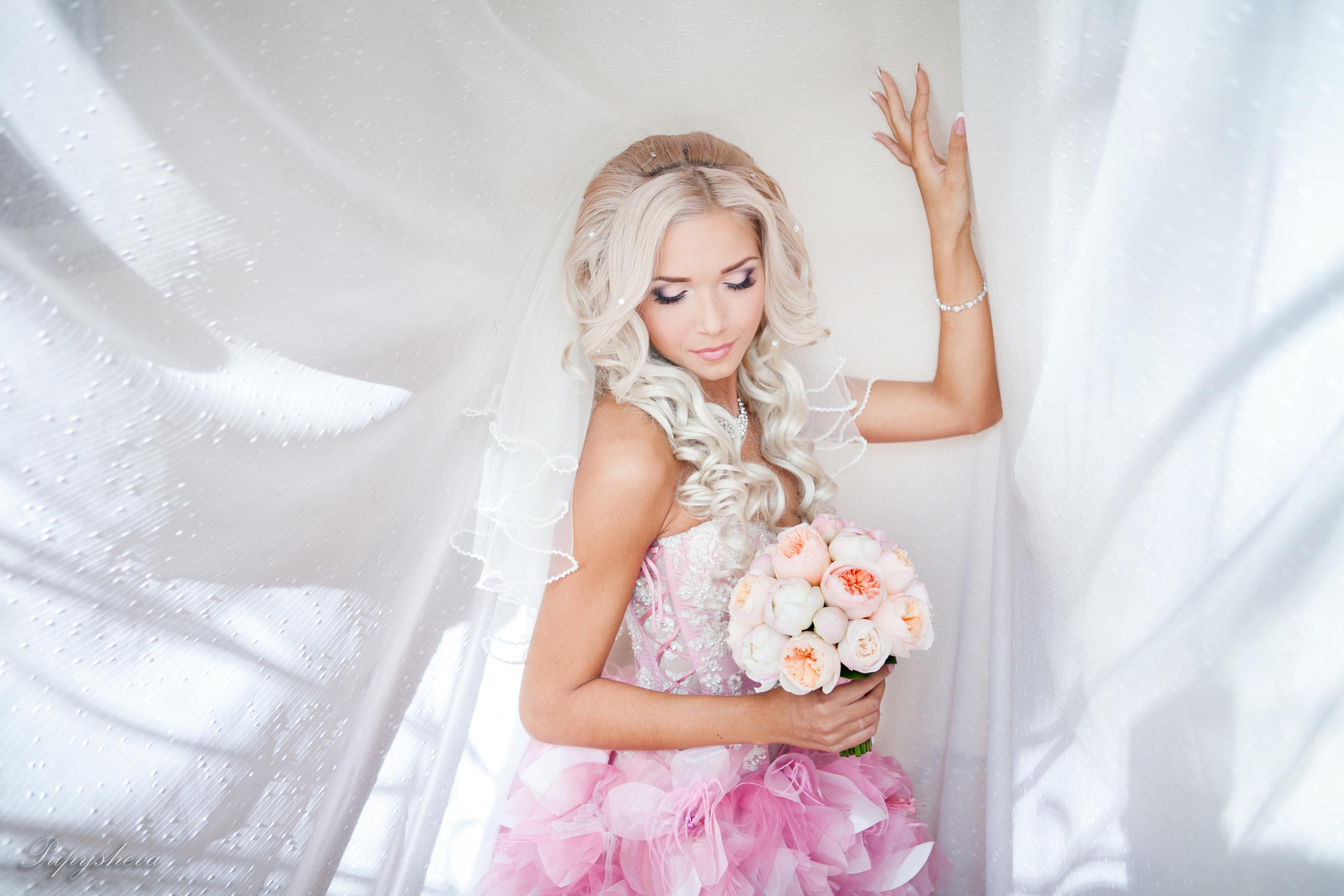 Фото на аву блондинок в свадебном платье