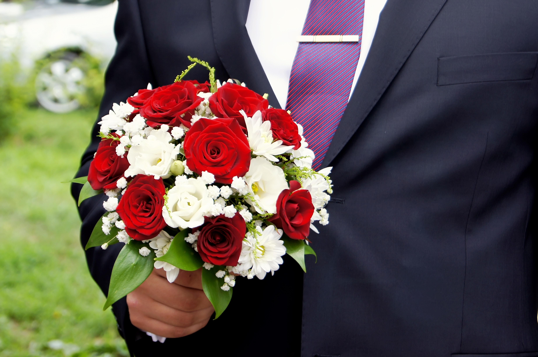 Букет для невесты из ромашек и роз