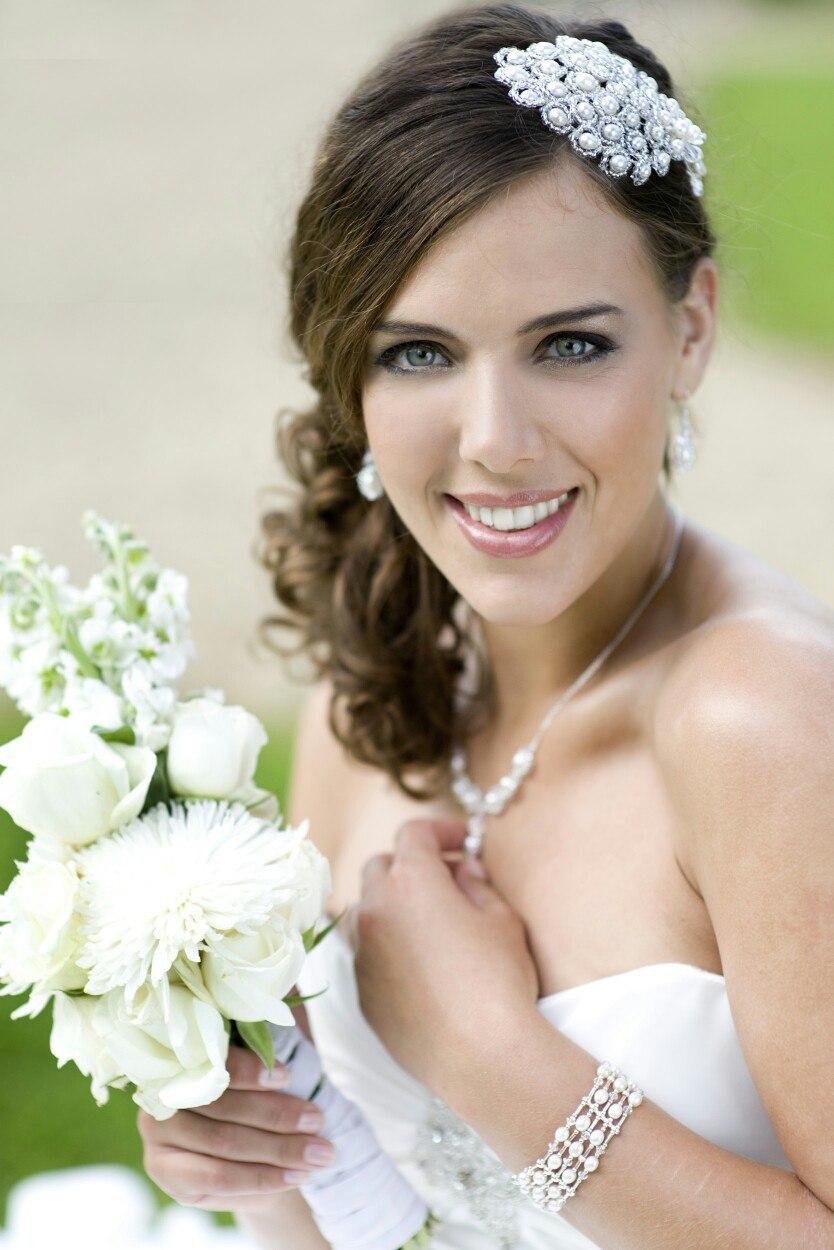 Свадебная прическа круглое лицо фото