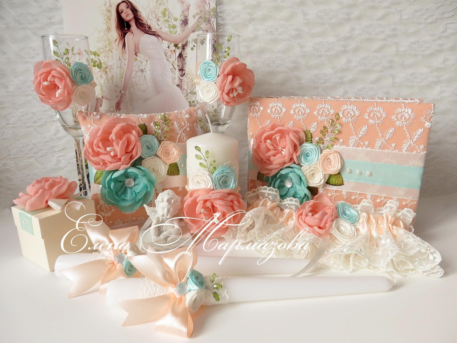 Персиковая свадьба оформление фото аксессуары