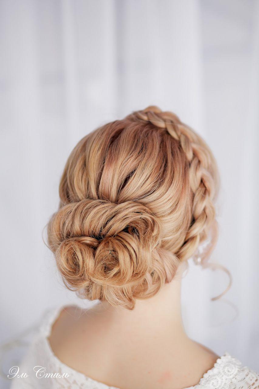 Причёска с плетением на свадьбу
