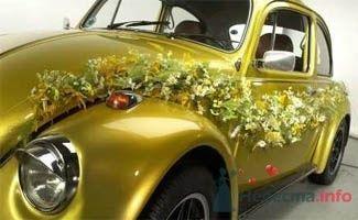 Украшение свадебного автомобиля живыми цветами. - фото 49 simik