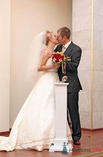 Жених и невеста в ЗАГСе. - фото 101 Невеста01