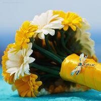 Букет невесты из желтых и белых гербер