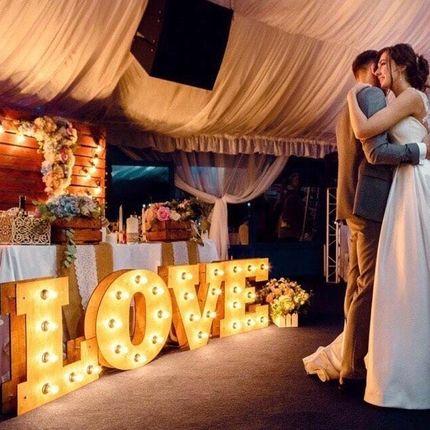 """Буквы с подсветкой """"LOVE"""" с Вашими датами/именами/другими идеями"""