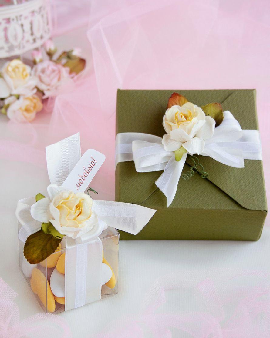"""Бонбоньерки Шебби с желтой розой и коробочка для сладких подарков - фото 15044388 Свадебные бонбоньерки """"Бон-бон"""""""