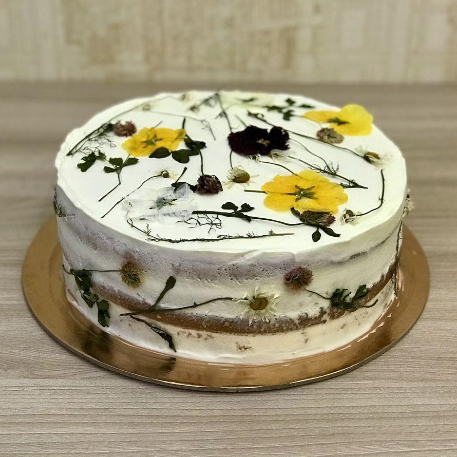 Торт с сухоцветами в стиле Эко