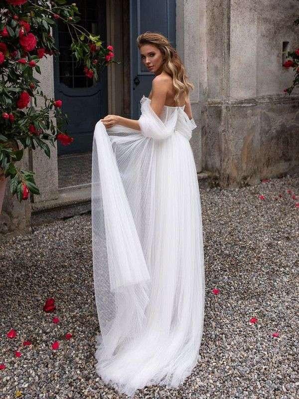 Фото 19910541 в коллекции Платья - Свадебный салон UniRenter