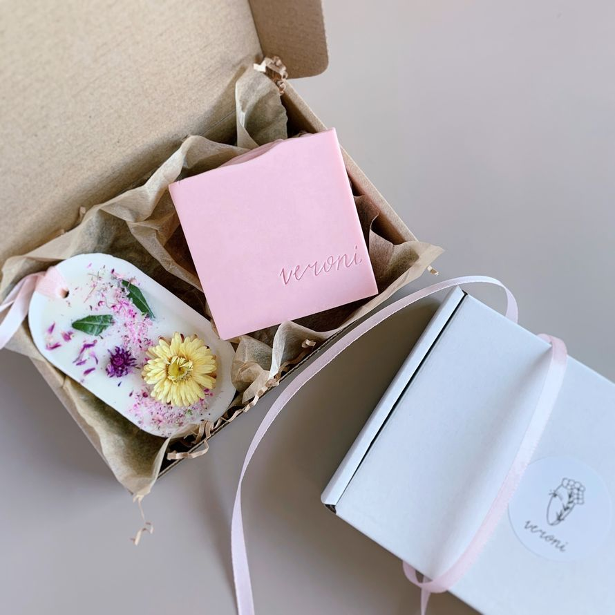 Натуральное мыло и аромасаше в подарочной упаковке