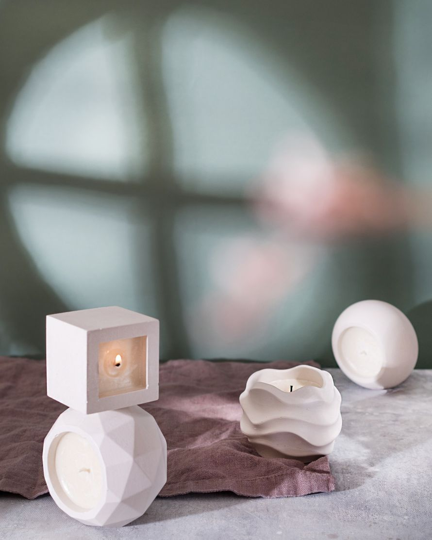 Соевая аромасвеча в бетонном кашпо