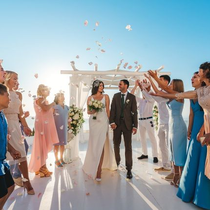 Официальная регистрация брака на острове Санторини
