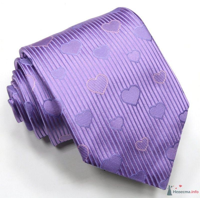 Полосатый сиреневый  галстук с сердечками