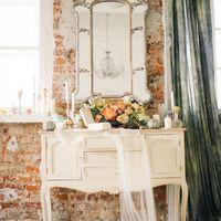 детали, утро невесты, будуарная съемка, флористика букет невесты