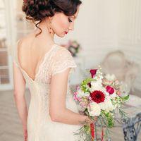 красный букет невесты Хризантема, Дисентра, Калла - красные цветы