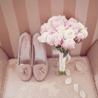 утро невесты ,туфли невесты ,букет невесты ,пионы ,розовые пионы