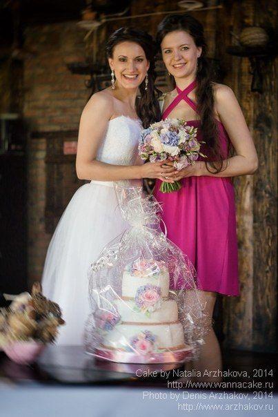 Невеста, мой торт и я. Не очень частый кадр, но иногда бывает и такое. - фото 3623457 Свадебные торты от Наталии Аржаковой