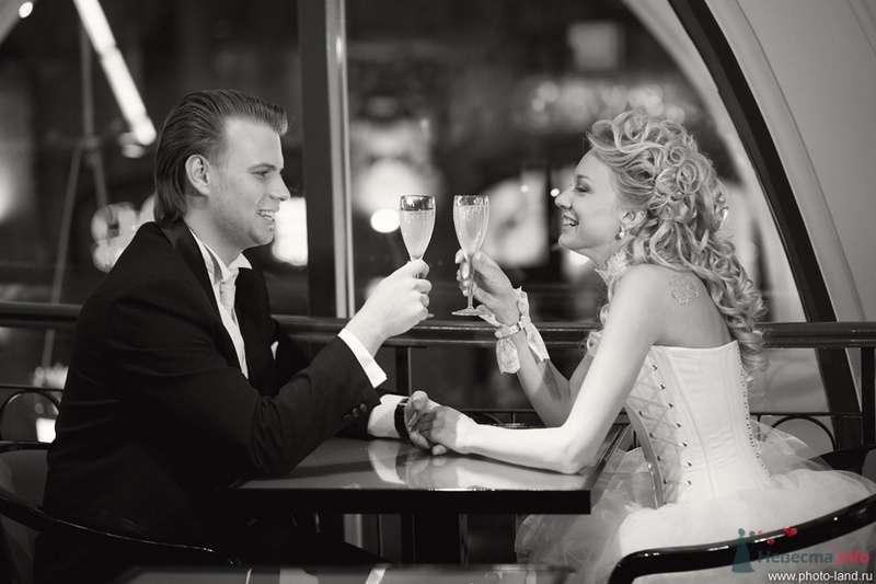 Елена и Александр (ГУМ, Москва) - фото 70732 Свадебные фотоистории от Андрея Егорова
