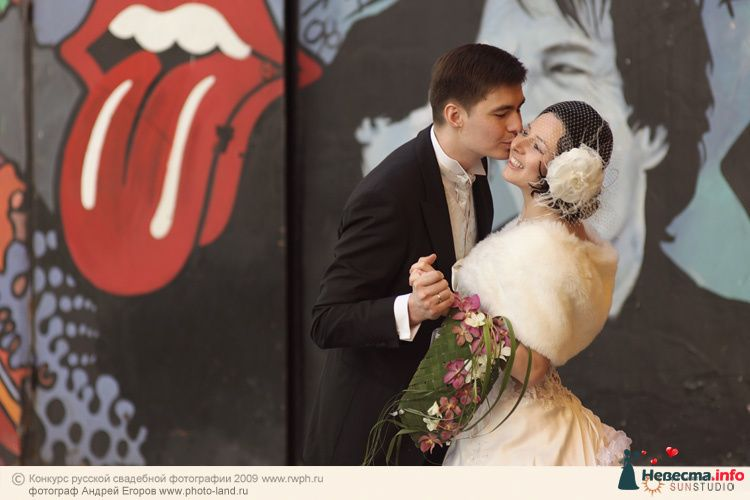 Свадебная прогулка по улочкам Москвы - фото 91279 Свадебные фотоистории от Андрея Егорова