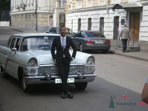 Иван Ургант с белой Чайкой - фото 79171 Галя