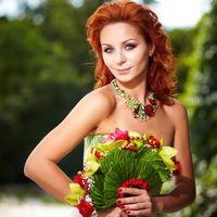 Невеста с оригинальным букетом