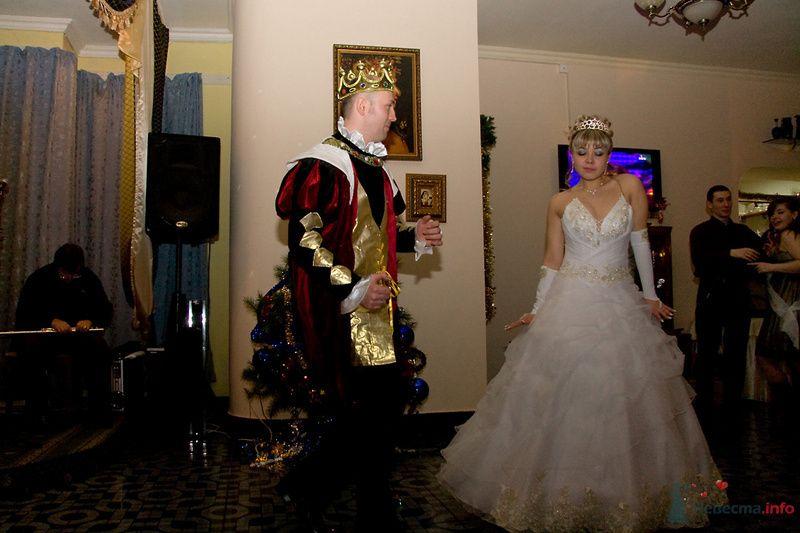 Танец жених в образе Короля - фото 79189 Анна Когтева - Ведущая
