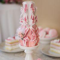 Резные свадебные свечи ручной работы для свадьбы в Персиковом стиле.  Персиковый - спокойный цвет, легкий, дарит ощущение лета и тепла, сладких фруктов и теплых солнечных лучей.  Персиковый цвет идеально подходит для новобрачных, так как усиливает взаимн