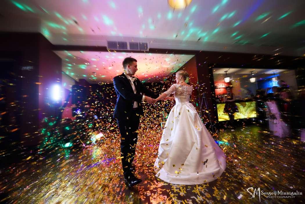 Первый танец молодожёнов - фото 8920982 Фотограф Сергей Миннигалин