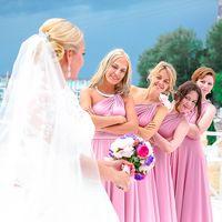 Невеста и её подружки в ожидании