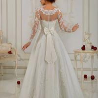 Свадебное платье LIORA  Цена 34 900 рублей. Новая цена 25 000 рублей!!!