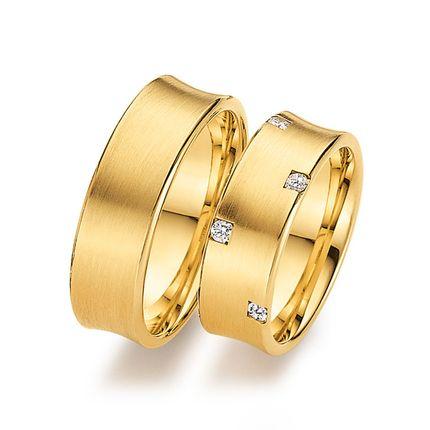 Матовые золотые кольца с бриллиантами на заказ