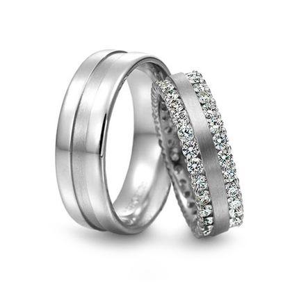 Золотое обручальное кольцо с бриллиантами на заказ