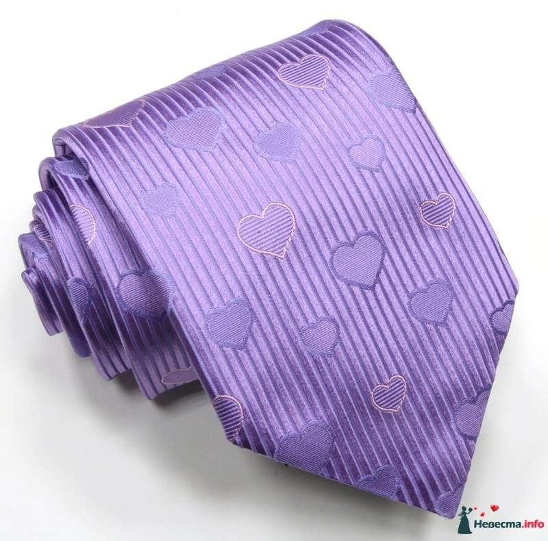 Сиреневый полосатый галстук жениха с сердечками - фото 114231 minitiger