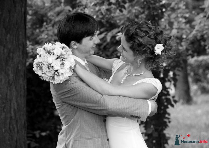 Фото 120318 в коллекции фотографии со свадьбы 10.06.2010 - polk01