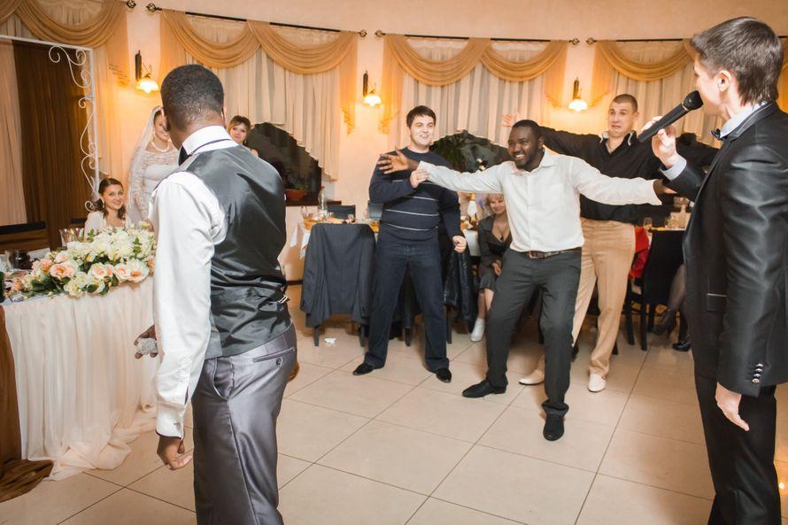 Интернациональные свадьбы имеют свой неповторимый колорит - фото 2586667 Ведущий Григорий Разумовский