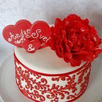 Торт на свадьбу в Праге для Андрея и Светланы.Вес 2кг.Сахарные цветы и украшения.Ручная роспись