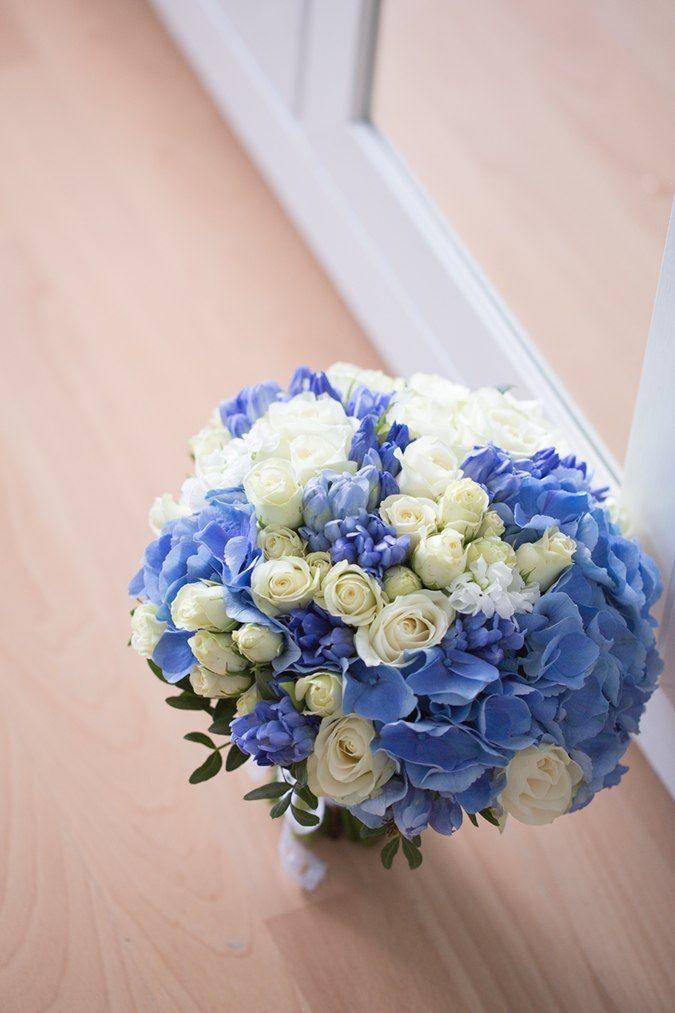 Доставка, букет невесты переход из розы и гортензии