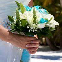 Свадебная церемония в голубом стиле на острове Саона в Доминикане