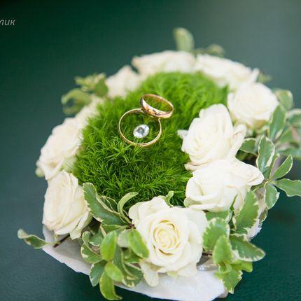 Подушечки для колец из живых цветов