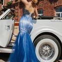 Голубой для подружки невесты