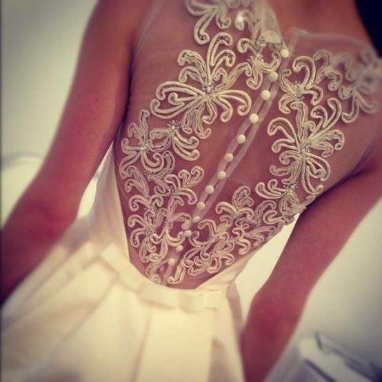 Красивая спинка на платье