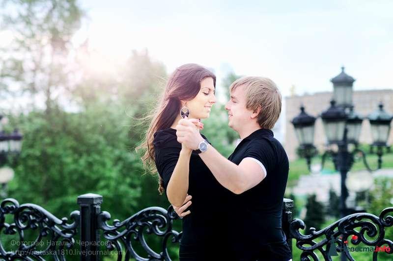 Фото 102966 в коллекции Инара (Inessa18) и Алексей в яблоневом саду - Фотограф Наталья Черкасова