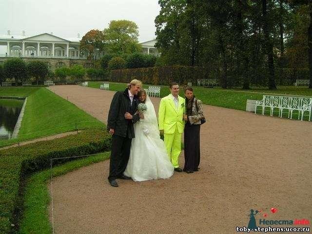 жених в зелененьком, невеста в белом, а по бокам свидетели - фото 115883 Alenka88