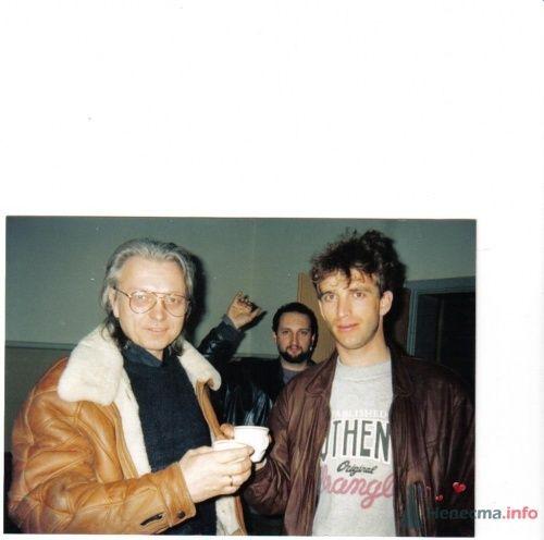 Старший Маликов(гастроли в Германии 1993г) - фото 18375 Ведущий Сергей Можаровский