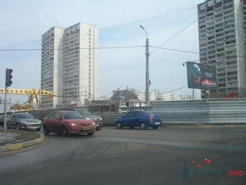 стройка перед рестораном Зазеркалье - фото 13638 Теша