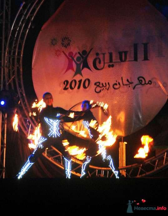 Свадебное огненное шоу - фото 124383 Световое и огненное шоу - Extravaganza show